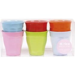 Set de 6 petits gobelets multicolores en melamine (à la pièce)