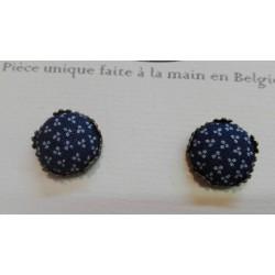 """Boucles d'oreille clou """"Bleu petites fleurs"""""""