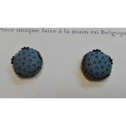 "Boucles d'oreille clou ""Vert - bleu petites fleurs"""